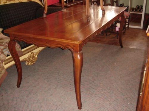 French provincial Fruitwood dining table